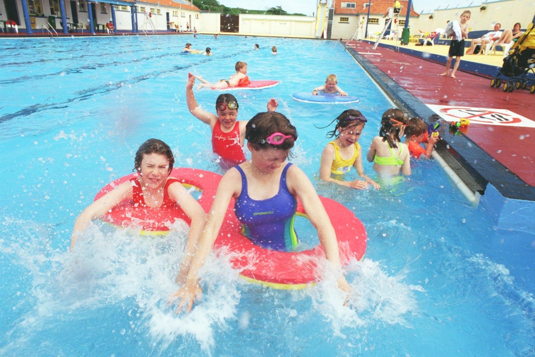 13 pictures show how stonehaven open air swimming pool has - An open air swimming pool crossword clue ...