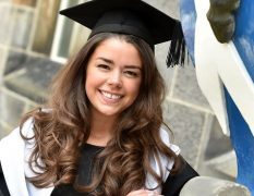Melissa Smart graduated with a first class degree in French studies with distinction in spoken French.