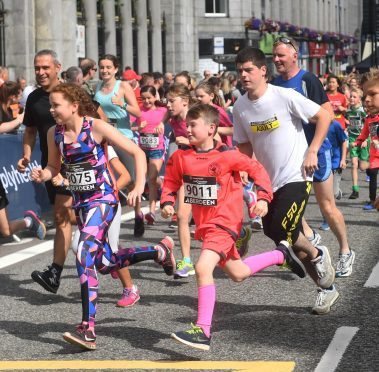The Great Aberdeen Run helped give the local economy a boost at the weekend. Picture by Chris Sumner Taken 27/8/17