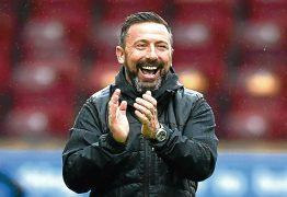 Derek McInnes is staying with the Dons
