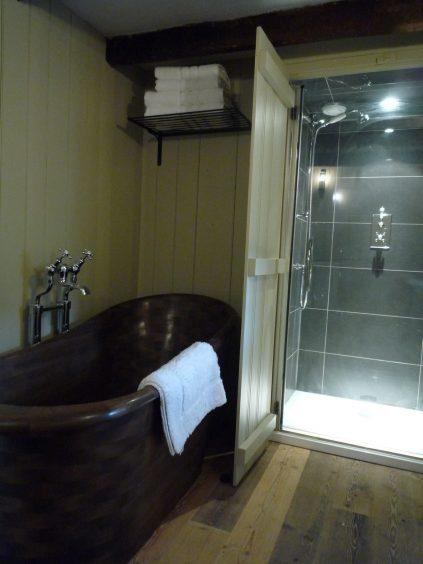Bathroom after.