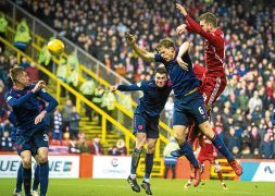 Dons defender Arnason ready to extend stay at Pittodrie