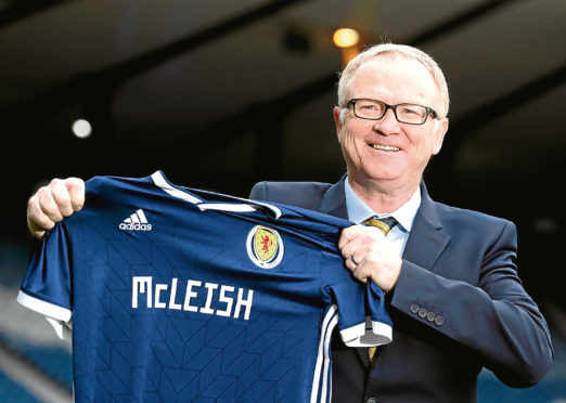Scotland hires McLeish with Euro 2020 qualification target