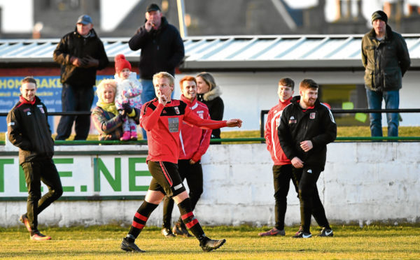 Chris Angus haunts Buckie as Inverurie Locos stay on track