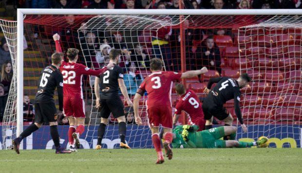 Aberdeen's Adam Rooney scores to make it 1-0