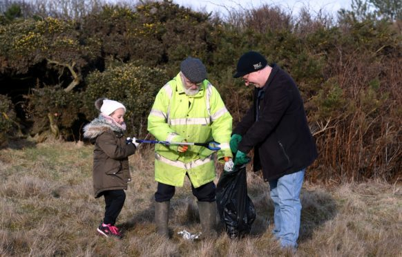 A clean-up at the Balmedie Country Park beach area , Balmedie by the Surfers Against Sewage campaign. Pictures by Jim Irvine.