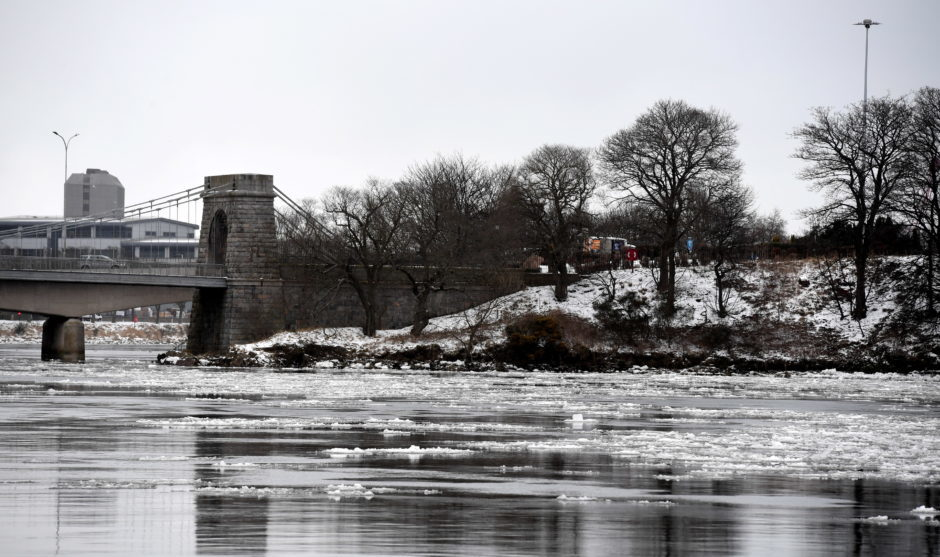Weather pictures. Ice on the River Dee at Torry . Pic by Chris Sumner Taken 2/2/18