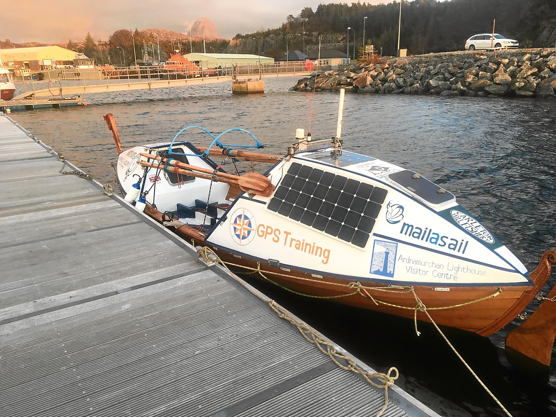 Lochinver man plans to row solo across Atlantic Ocean in a hand