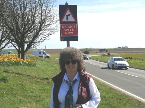 Gillian Owen has praised the implementation of new flashing warning lights on the A90 at the Toll of Birness.