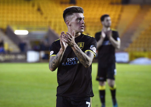 Josh Mullin has joined Ross County from Livingston.