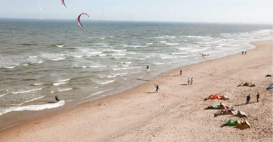 VIDEO: Kite surfers get air on Aberdeenshire beach
