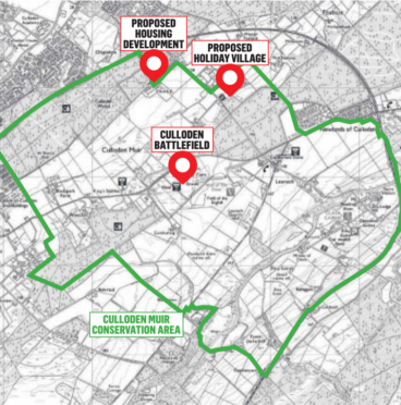 The proposed development lies within the battlefield site.