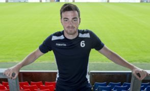 Ross County defender Sean Kelly commits future to Staggies by signing new deal