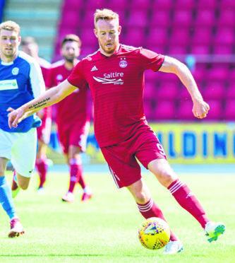 Adam Rooney in action for Aberdeen