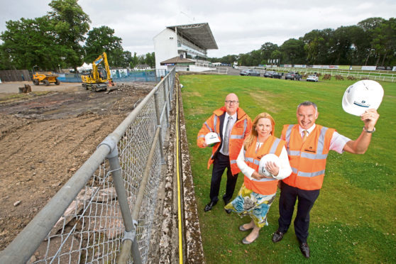 Ed Parry of Robertson with Vivien Currie and John Currie of Hamilton Park Racecourse. Submitted Weber Shandwick.