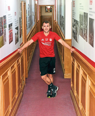Aberdeen footballer Niall McGinn pictured at Pittodrie. Picture by Kath Flannery.
