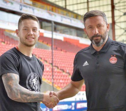 Dean Sutherland met Aberdeen manager Derek McInnes at Pittodrie.