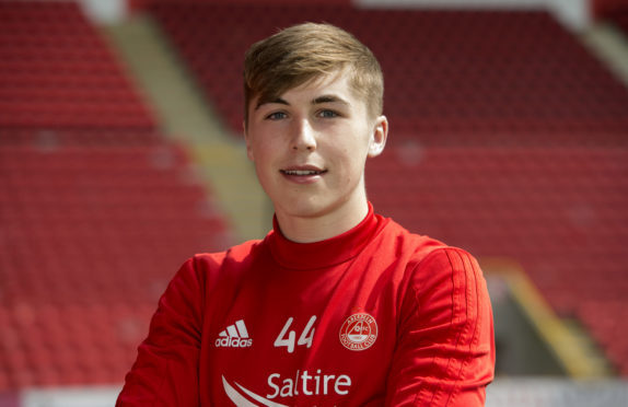 Dean Campbell has signed a long-term deal with Aberdeen