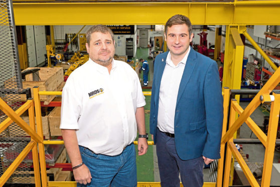 Contracts for service firms reflect confidence | Press and Journal