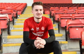 Aberdeen winger Scott Wright could be out for rest of the season after cruciate ligament injury