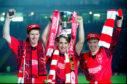 26/11/95 COCA COLA CUP FINAL ABERDEEN v DUNDEE (2-0) HAMPDEN - GLASGOW Duncan Shearer (left), Billy Dodds and Stewart McKimmie celebrate winning the Coca Cola Cup.