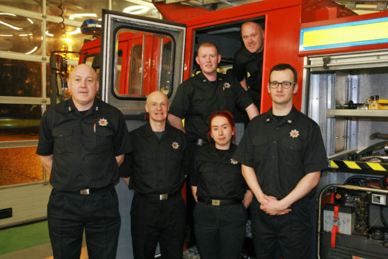 Fire service urged to scrap '8-minute rule' by north councillors