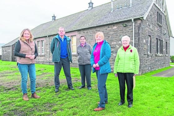 Moira Tweedie, Ken Fraser, Isobel Dawson, Jane Tweedie and Edith Powley. Picture by Jason Hedges.