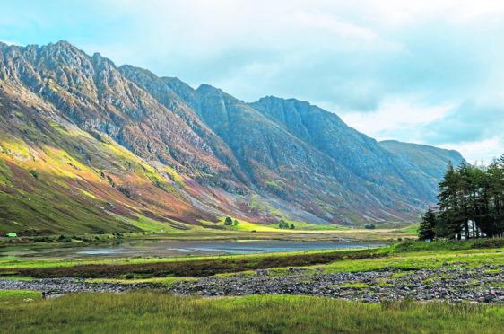 Aonach Eagach ridge above Loch Achtriochtan in Glencoe.