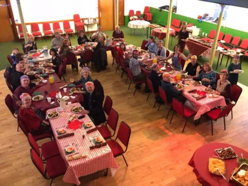 Stromness residents are to come together once again for their annual Christmas Day meal.