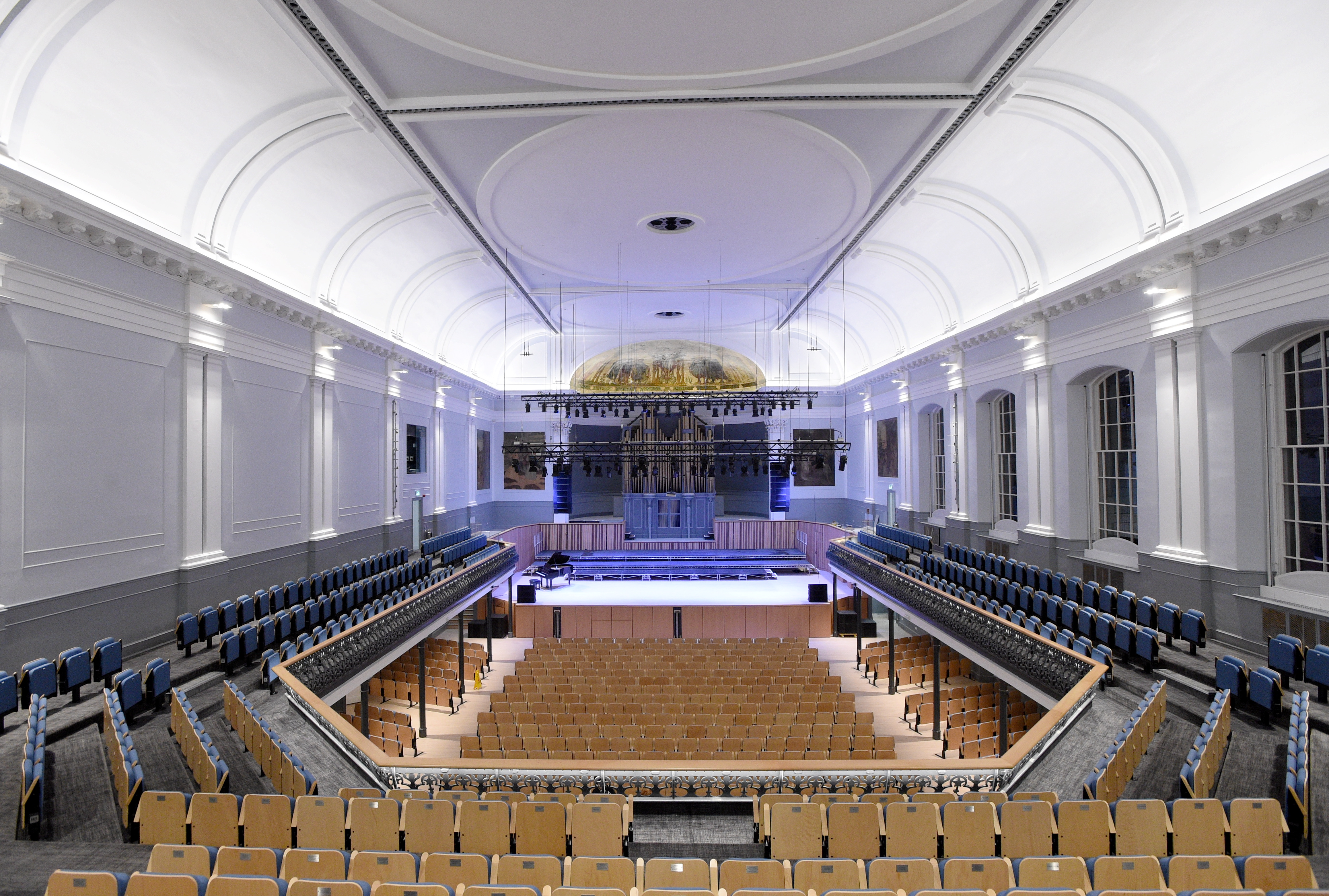 aberdeen music hall roars back into life press and journal. Black Bedroom Furniture Sets. Home Design Ideas