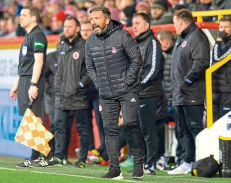 19/01/19 WILLIAM HILL SCOTTISH CUP 4TH ROUND ABERDEEN v STENHOUSEMUIR PITTODRIE- ABERDEEN Aberdeen manager Derek McInnes gives orders to his players.