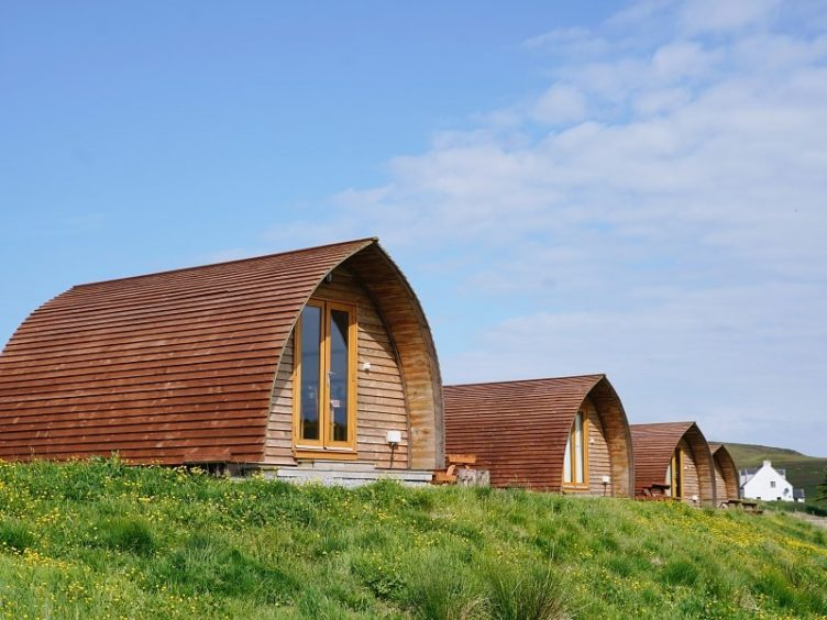 Shulista Croft Wigwams: Each wigwam is fully self-contained, with built-in kitchen area, shower room and toilet facilities, dining area, double bed and fold out sofa bed