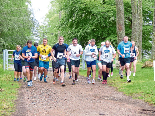 Competitors taking part in a previous Great Glen Challenge for RSABI.