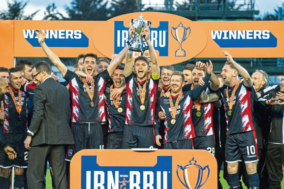 Ross County lift the 2018-19 IRN-BRU Cup.
