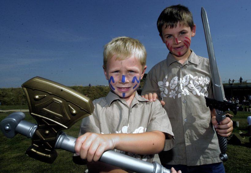 Cameron Burr 5 and Hamilton Burr 7  Archaeolink .