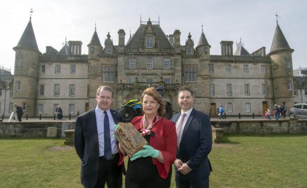 Alex Paterson, Fiona Hyslop and Inspector Alan Dron