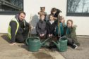 Council gardener Danny Shand with pupils from Hazlehead primary school. L-R Danny Shand with  esther burns, Namiso Kanganuarara;Emma Lewis;,,Molly Muldoon; Rosheh Tabari;  eilidh gorman;