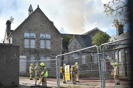 Roof collapses in Victoria Road school fire