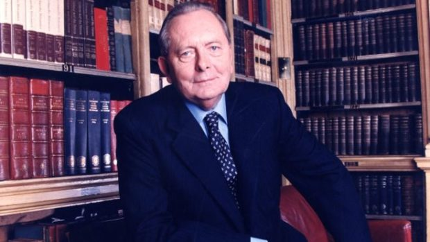Tributes to 'forensic and brilliant' presenter Brian Walden
