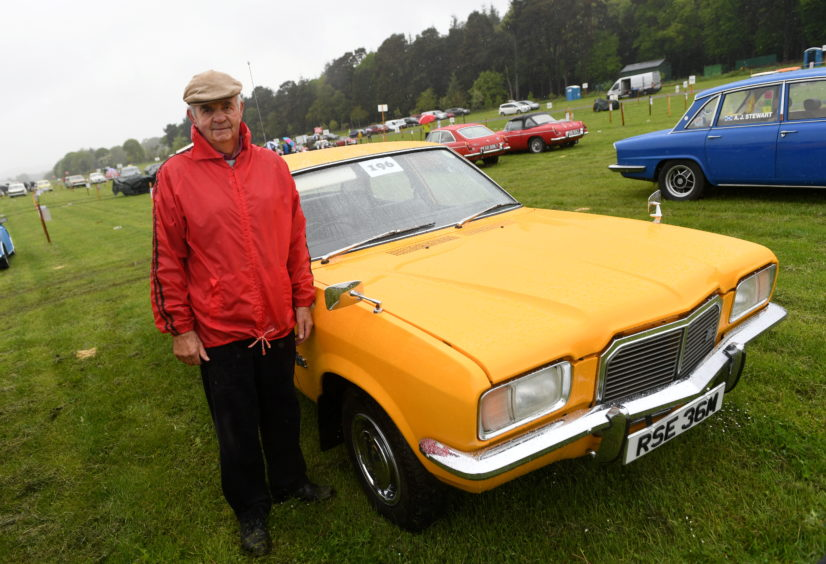 Ian Wilson, Vauxhall FE1800.