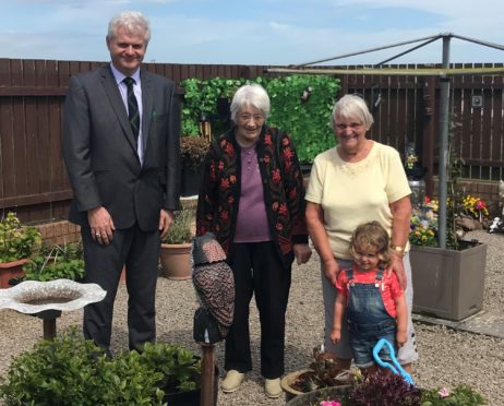 Councillor Alan Fakley with Sheila Low, Margie Davison and her great-granddaughter Paisley