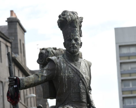 Gordon Highlanders criticise 'disgusting state' of Aberdeen regiment statue | Press and Journal