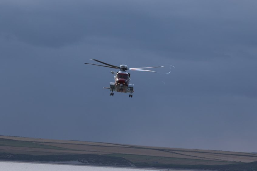 Rescue 900 from Sumburgh was tasked to assist