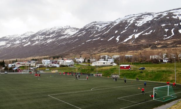 3rd Division action in East Iceland