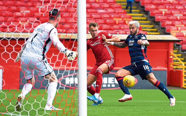 Aberdeen's Ryan Hedges scores during the Ladbrokes Premiership match between Aberdeen and Ross County at Pittodrie Stadium