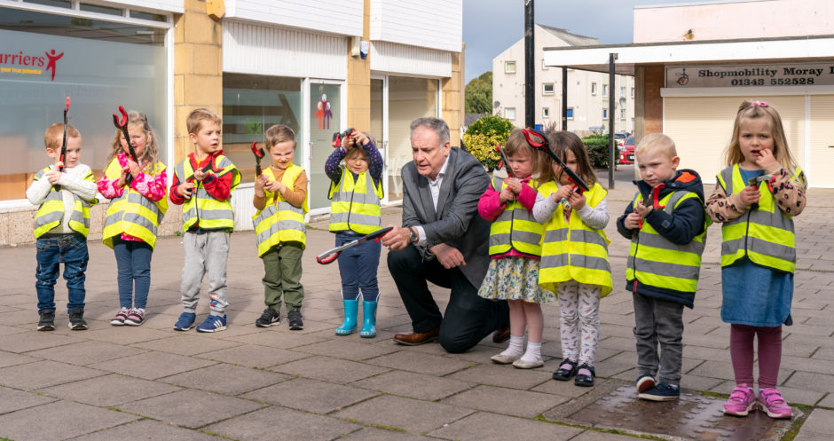 Nursery children in Moray aided on quest against litter louts by special