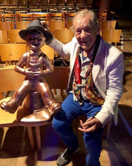 Oor Wullie with Sir Ian McKellen