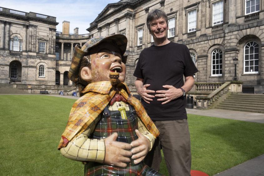 Oor Wullie with author Ian Rankin.