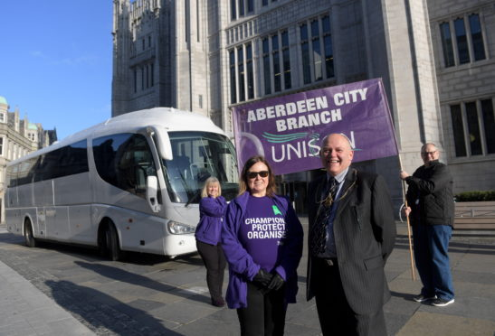 Marischal College. Local Service Champions Day. L:R, Susan Kennedy and Lord Provost of Aberdeen Councillor Barney Crockett, with, back L:R, Ann Mcevoy and Kenny Luke. CR0015396 17/10/19 Picture by KATH FLANNERY