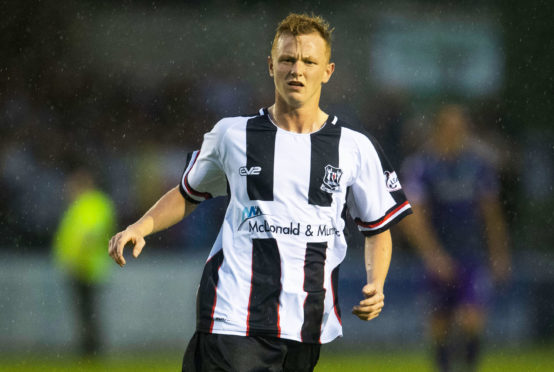 Russell Dingwall in action for Elgin City.